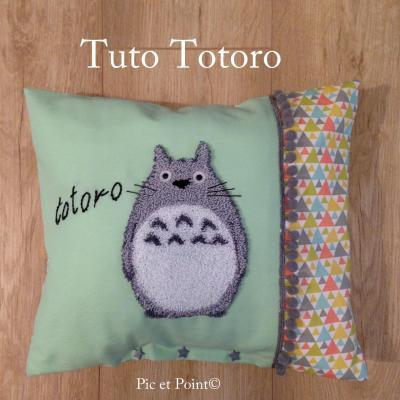 "Housse de coussin ""Totoro"""